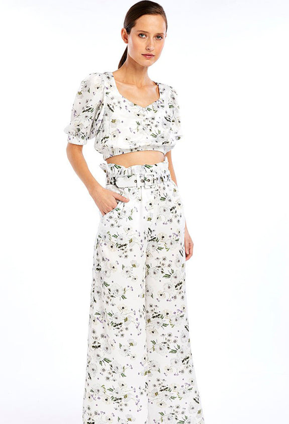 Style Odyssey | Frenchie Crop Top in White Bouquet by We Are Kindred We Are Kindred We Are Kindred We Are Kindred We Are Kindred We Are Kindred We Are Kindred We Are Kindred We Are Kindred We Are Kindred