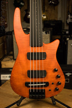 NS Designs CR5 Radius Electric Bass 5 String Fretless Piezo