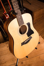 Taylor 100 Series 150e Dreadnought 12-String Acoustic-Electric Guitar Natural