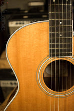 2015 Taylor Grand Auditorium 414ce-N Acoustic Guitar