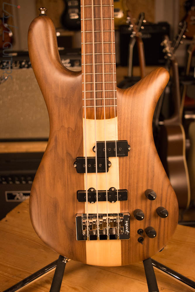 Spector Forte 4 Retro Walnut Body DiMarzio Pickups Bass Player Live Display