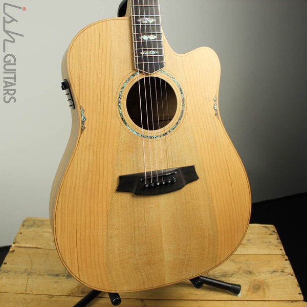 Cole Clark FL3EC-COLB Cedar of Lebanon Top with Blackwood Back and Sides