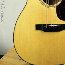 Martin 00-18 Acoustic Guitar Sitka Spruce B-Stock