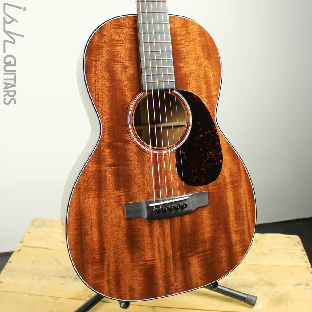 2019 Martin Custom Shop 00-17 12 Fret Flamed Mahogany Top (DEMO VIDEO)