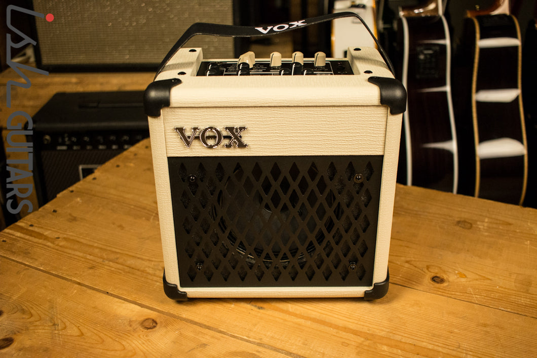 Vox Mini5 Modeling Guitar Amp with Rhythm