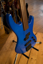 USA Guild Pilot Fretless Rare Blue w/ Case