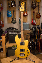 USA Lakland Decade Four String Gold Metallic