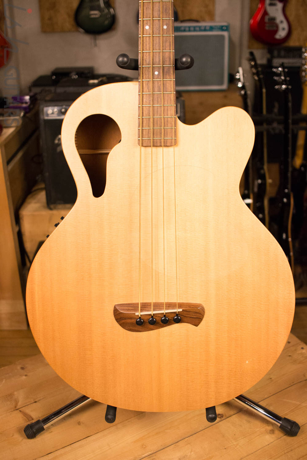 Tacoma Thunderchief CB10C Acoustic Bass with Electronics