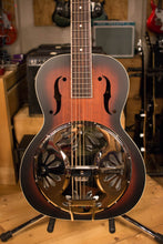 Gretsch Root Series G9220 Bobtail Round Neck Acoustic/Electric Resonator Guitar
