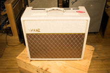 "Vox Hand-Wired AC15HW1 Single 12"" Celestion G12M Greenback Speaker"