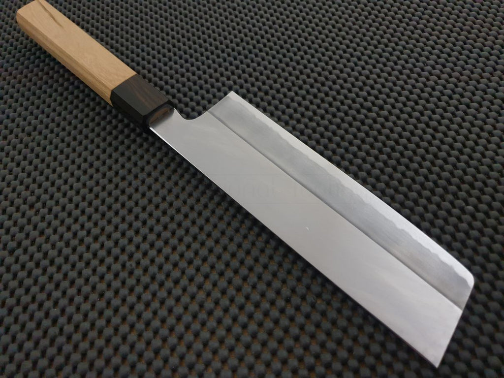 Japanese Knife: Nakiri