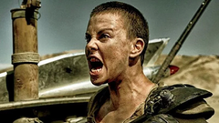 Imperator Furiosa shouting with blood in her teeth in Mad Max: Fury Road