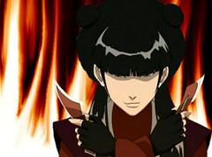 Mai from Avatar: the Last Airbender holding throwing knives