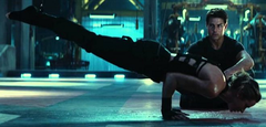 Rita Vrataski from Edge of Tomorrow (Live, Die, Repeat) doing reverse inclined planks