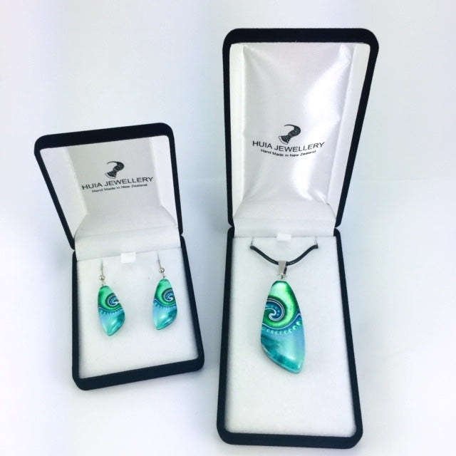 Turquoise Triangle Dot Wave Pendant & Earrings