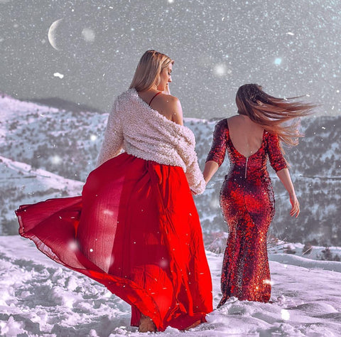 Aleksic twin sisters in the snow