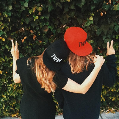 TWIN SNAPBACK HAT (RED) - Fashion for twins TWINNING STORE