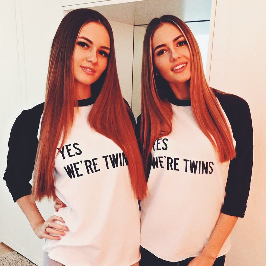 YES WE'RE TWINS UNISEX ¾ SHIRT (WHITE/BLACK) - Fashion for twins TWINNING STORE