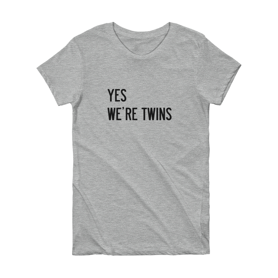 YES WE'RE TWINS T-SHIRT (GREY) - Fashion for twins TWINNING STORE