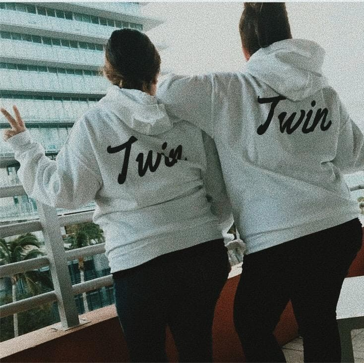 TWIN BACK PRINT HOODIE (WHITE) - Fashion for twins TWINNING STORE