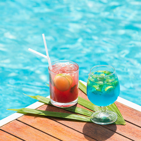 5 Delightful Cocktails to Sip While Lounging on your Pool Float