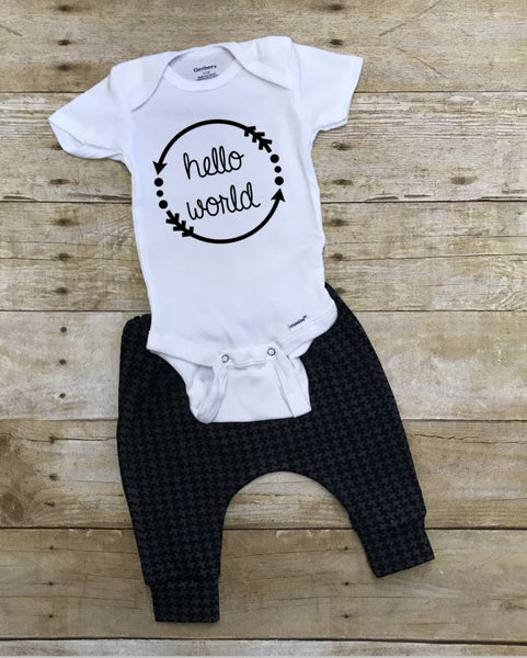 Monochrome Newborn Hello World Coming Home Outfit