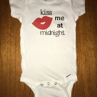 kiss me at midnight Onesie - Funny Onesie - Shower gift - baby clothes - New Years onesie