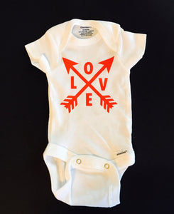 Love onesie - Arrow onesie - Valentine's day onesie - Funny Onesie - Shower gift - baby clothes - newborn onesie