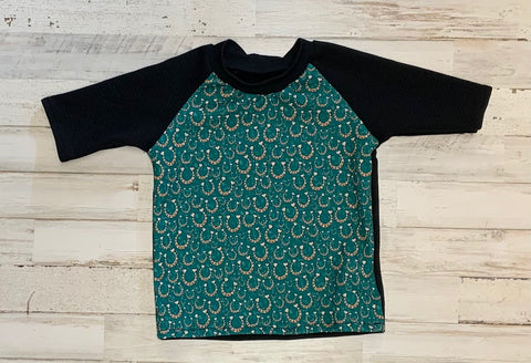Lucky Horseshoes Raglan