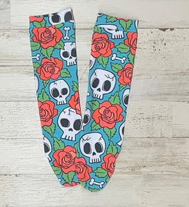 Skulls And Roses Knee High Socks
