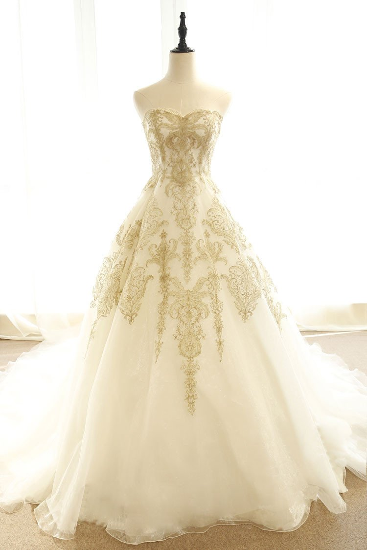Sweetheart Champagne Tulle Appliques Wedding Dress with Court Train JKT326