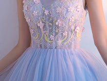 Beautiful Homecoming Dress V-neck Appliques Tulle Short Prom Dress Party Dress JK304