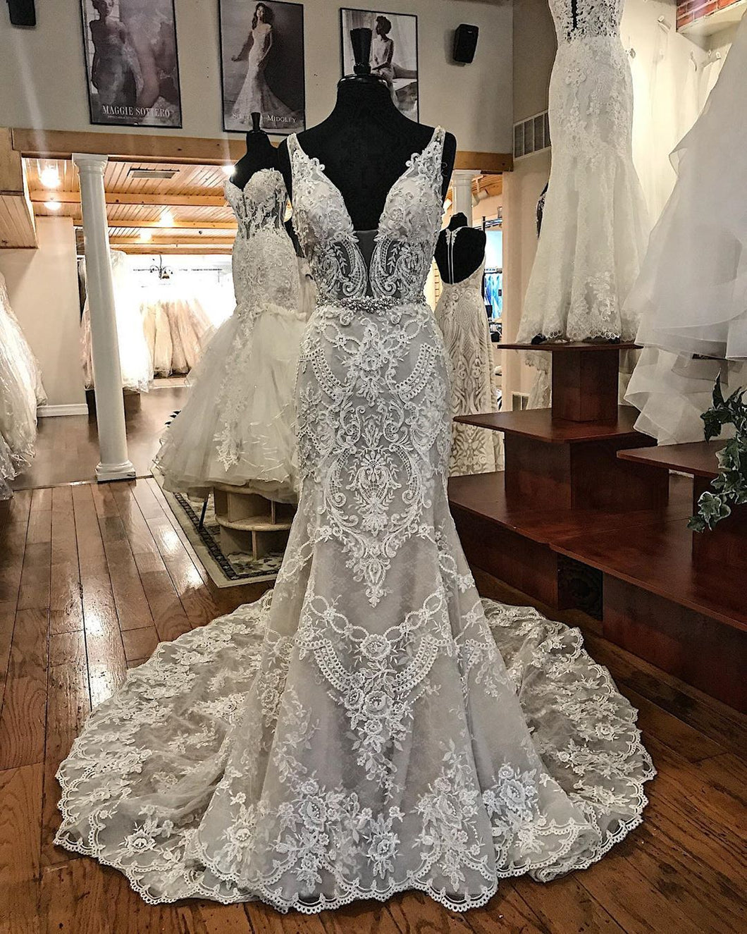 Chic Lace V-Neck Appliuqes Mermaid Wedding Dress Bridal Gowns JKD2004|Annapromdress