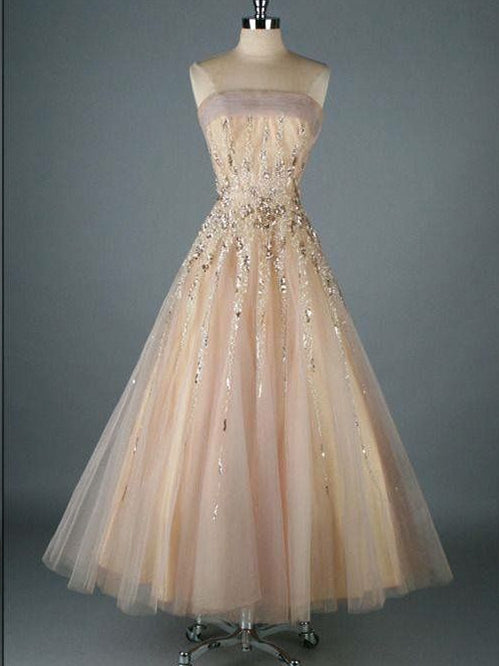 Where can you find a vintage prom dresses?
