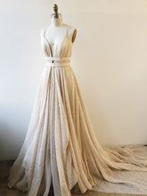 Chic Prom Dresses A-line Spaghetti Straps Tulle Long Prom Dress/Evening Dress JKL456