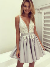 2017 Homecoming Dress V-neck Silver Appliques Short Prom Dress Party Dress JKS055