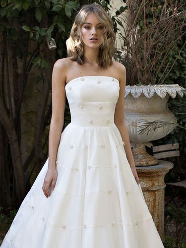 Chic Wedding Dresses Strapless Sweep/Brush Train Ivory Bridal Gown JKS224