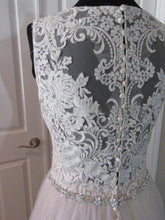 Beautiful Wedding Dresses A-line Scoop Sweep/Brush Train Lace Bridal Gown JKS252
