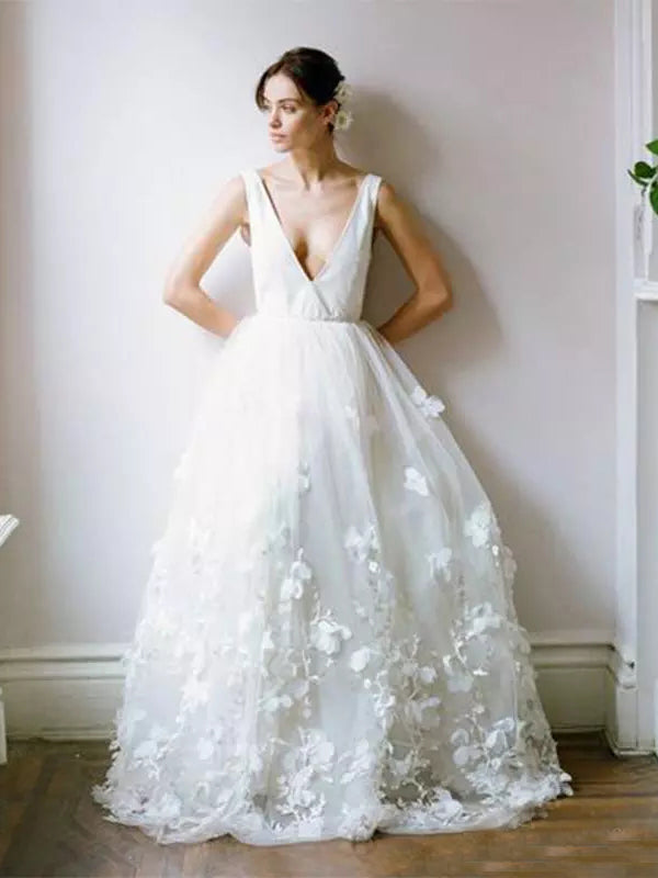Cheap Wedding Dresses Floor-length Appliques Tulle Bridal Gown JKW072