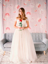 Beautiful Cheap Wedding Dresses Off-the-shoulder Floor-length Tulle Bridal Gown JKW091