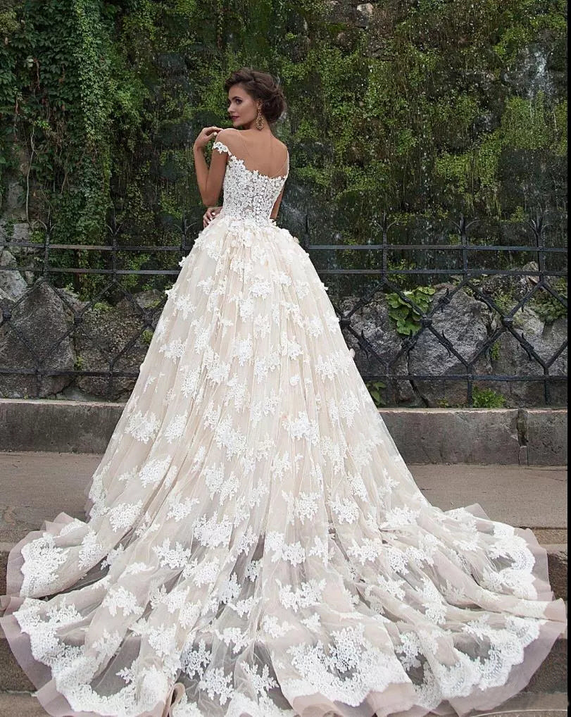 Romantic Wedding Dresses Scoop Ball Gown Sweep/Brush Train Tulle ...