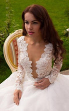 Long Sleeve Wedding Dresses Sexy Scoop Appliques Short Train Bridal Gown JKW101