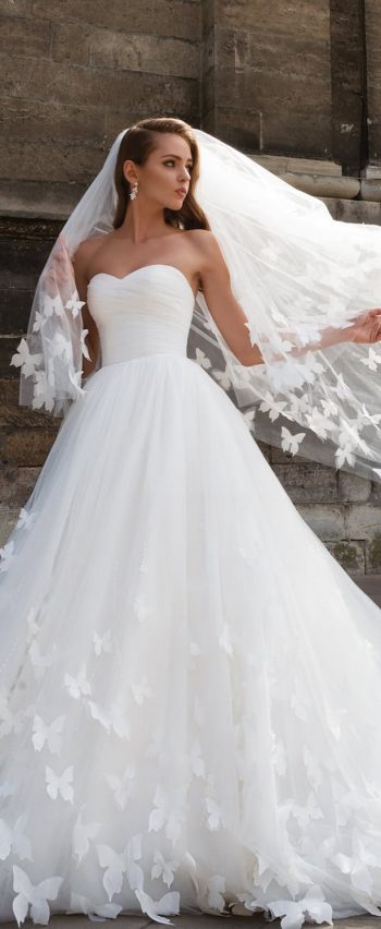 Beautiful Wedding Dresses with Long Train Sweetheart Butterfly ...