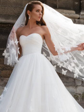 Beautiful Wedding Dresses With Long Train Sweetheart Butterfly Simple Bridal Gown Jkw201