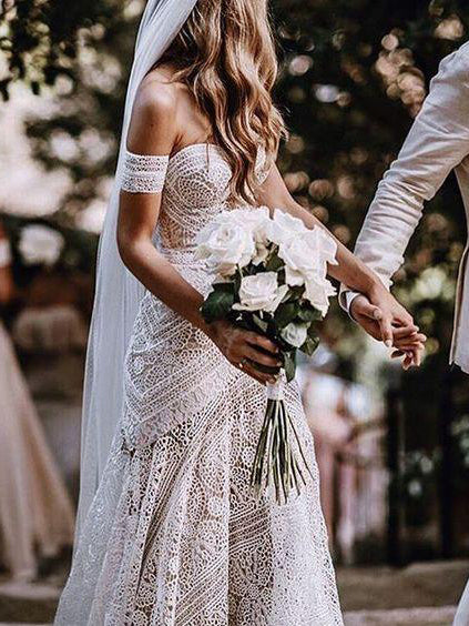 Romantic Wedding Dresses Off-the-shoulder Sweep Train Lace Simple Beach Bridal Gown JKW240|Annapromdress