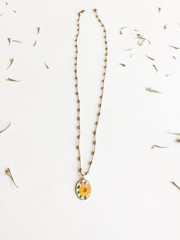 Silk-knotted Vintage Enamel Daisy
