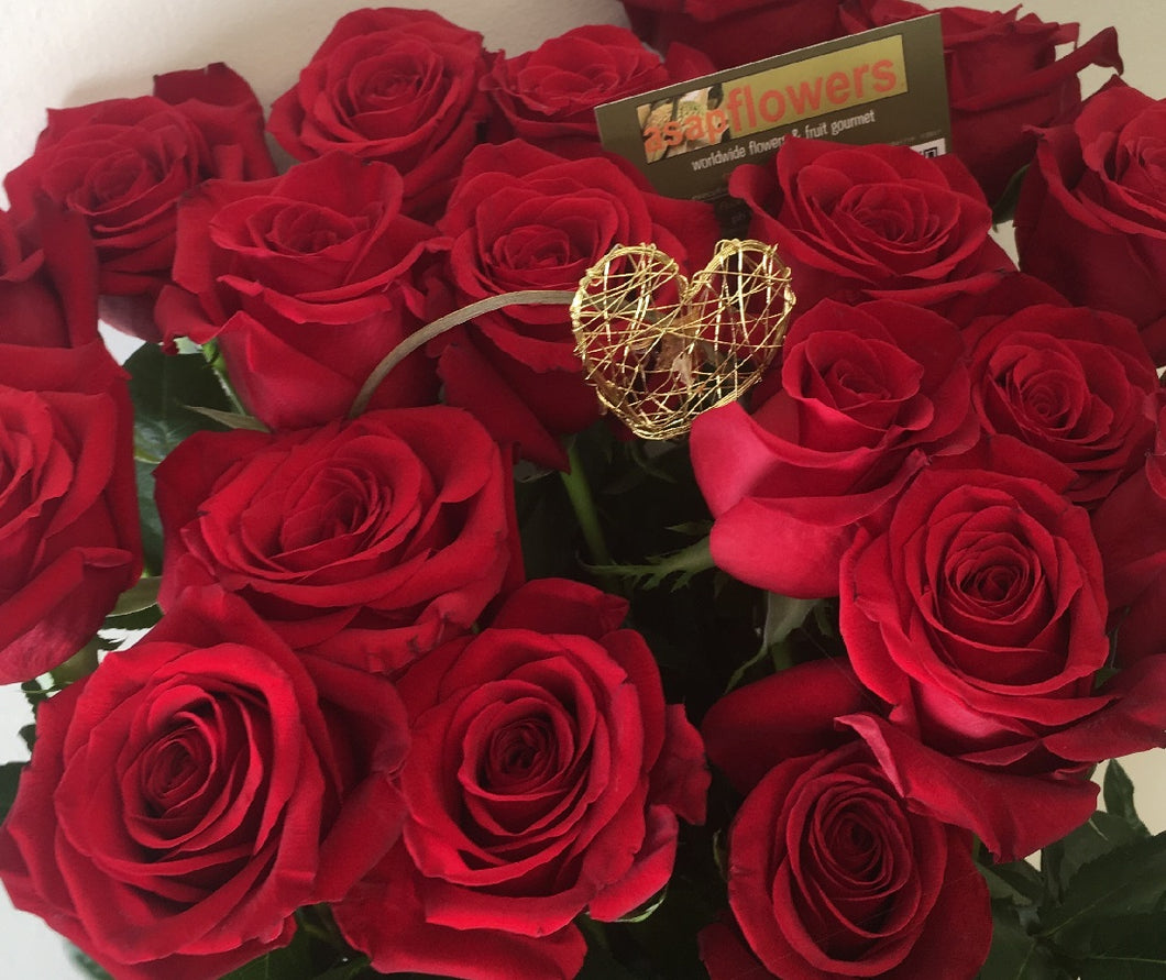 RED ROSES VALENTINES DELIVERY GOLD COAST, LONG STEM REDS TO TUGUN