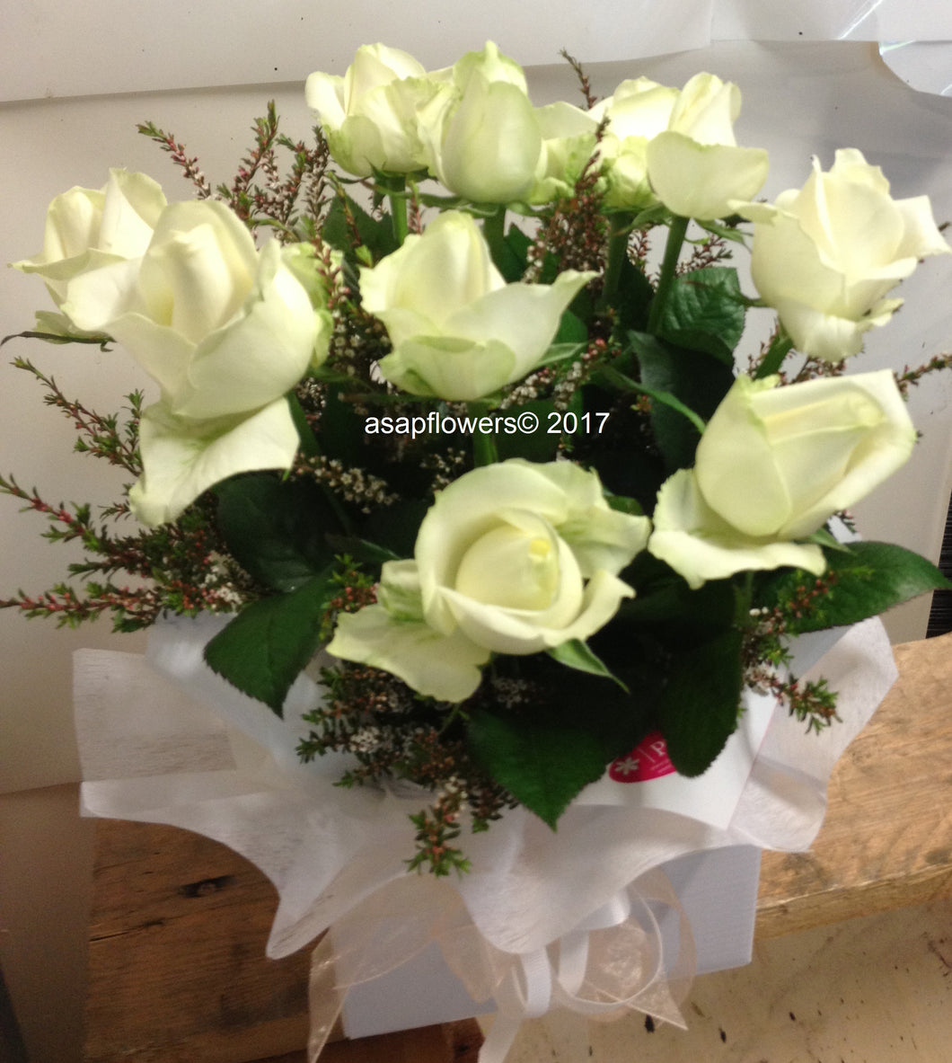 JUST2SAY - Box 10 Roses COLOUR OPTIONS
