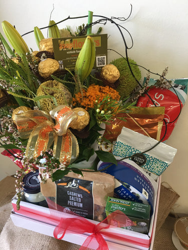 CAN CAN gourmet and flower Hamper