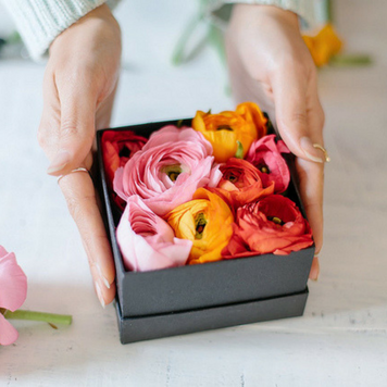 Beautiful Flower-Themed DIY Gift Ideas